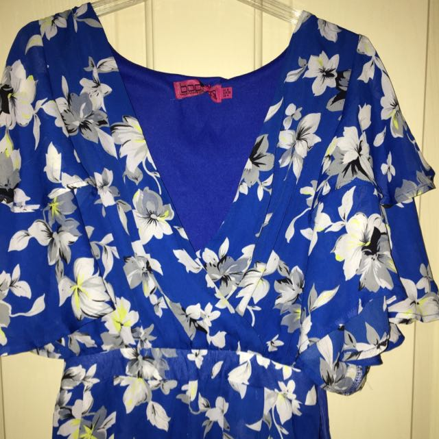 Summery Blue And White Floral Boohoo Playsuit