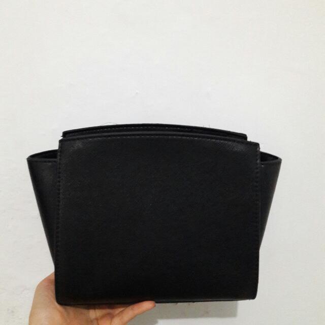 TX Black Sling Bag