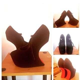 LADY GAGA HEELS Size 9 (black)