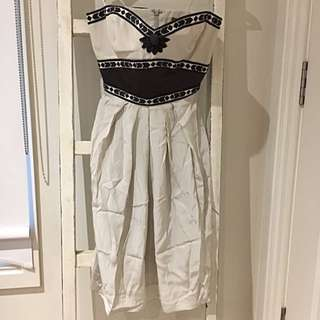 Thurley Embroidered Knee Length Dress - Size 8