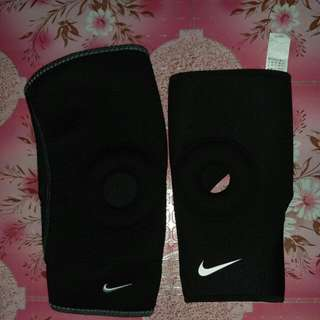 Nike Open Patella Knee Sleave(380each)