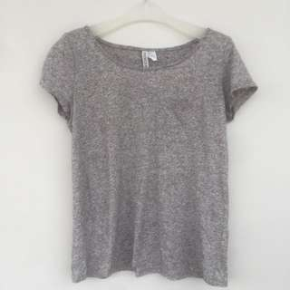 H&M DIVIDED t-shirt