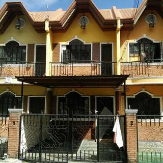 Townhouse beside perpetual help university and near sm center for sale