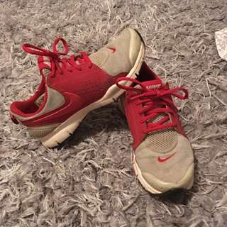 Authentic Size 6 Nike Sneakers