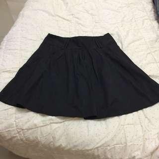 激瘦黑裙子