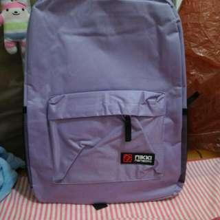 紫色後背包
