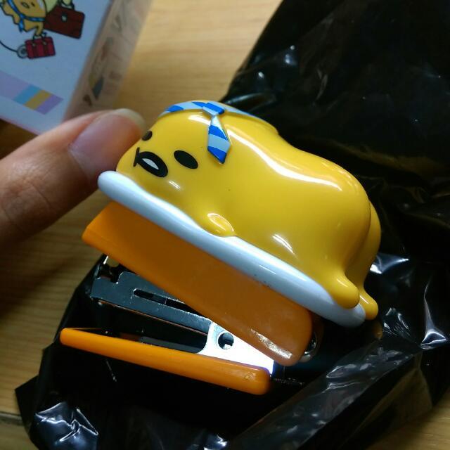 蛋黃哥 造型釘書機 公仔