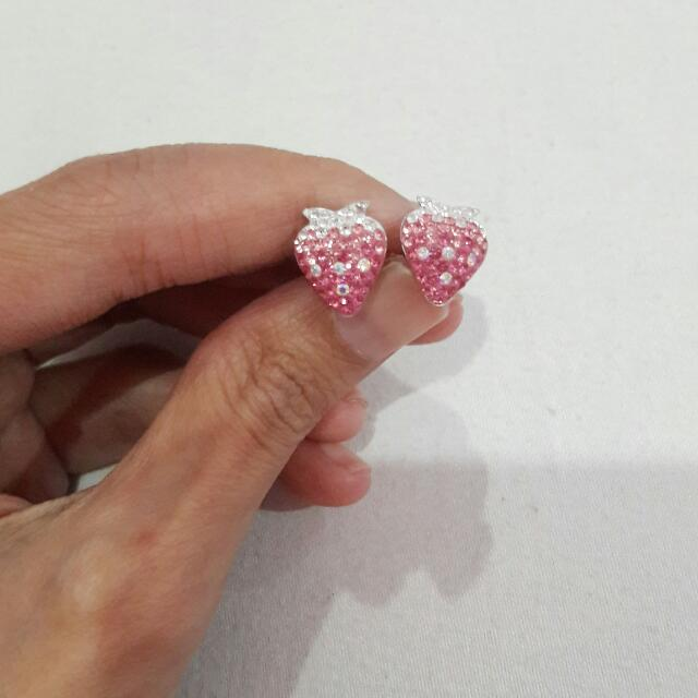 Anting Fashion Strawberry Pink