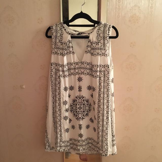 Boho Pattern Cut Out V-Neck Flowy Dress