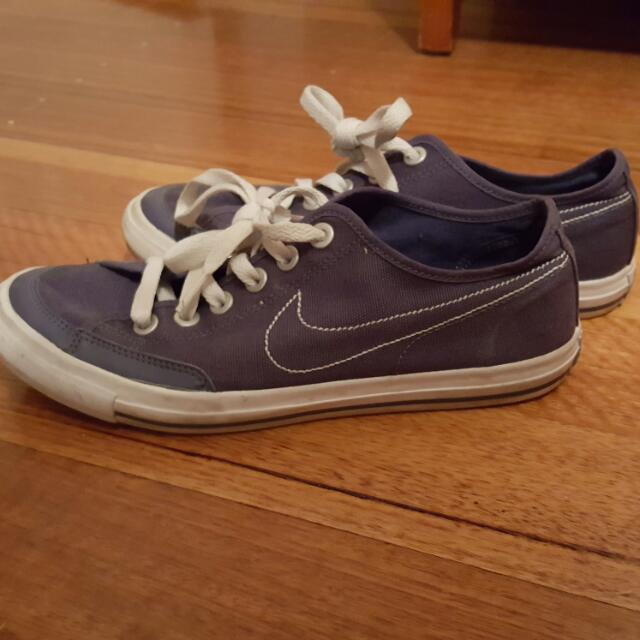 Casual Nike's Blue