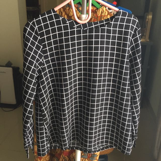 Checkered Blouse Kaos Kotak2