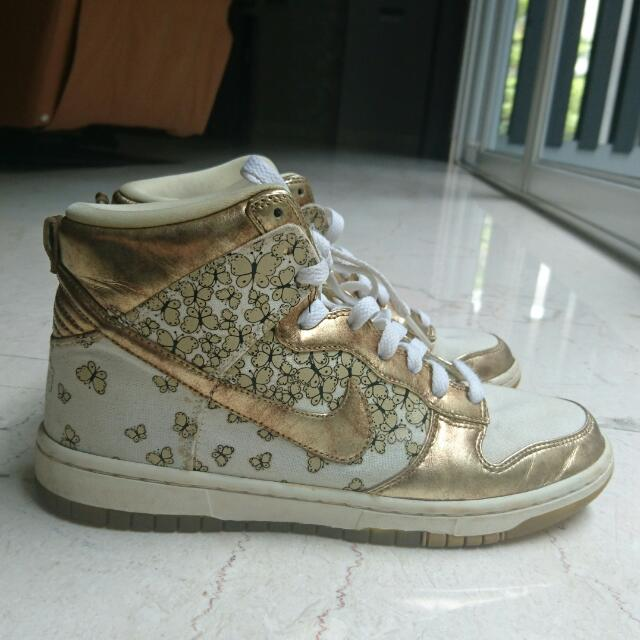 Limited Edition Gold NIKE Sneaker High Top