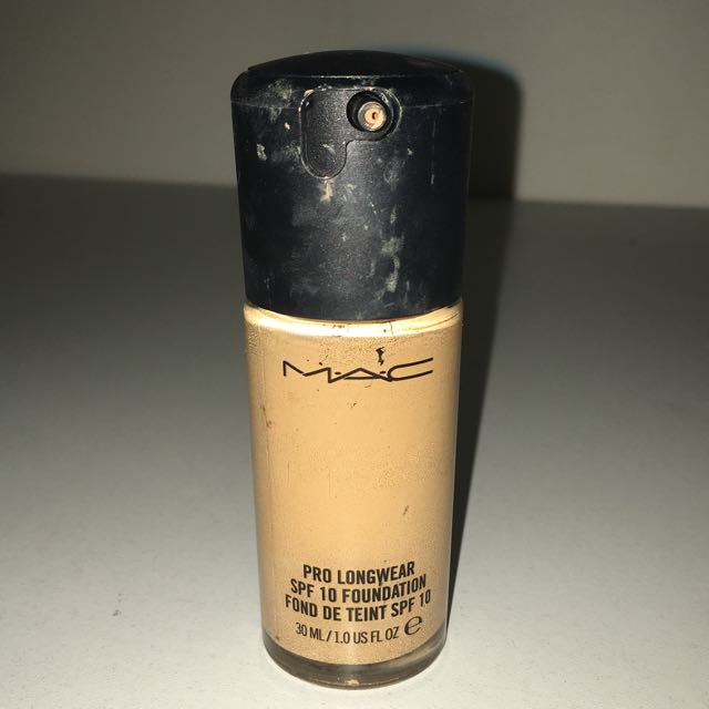 Mac Prolong wear Foundation NC40