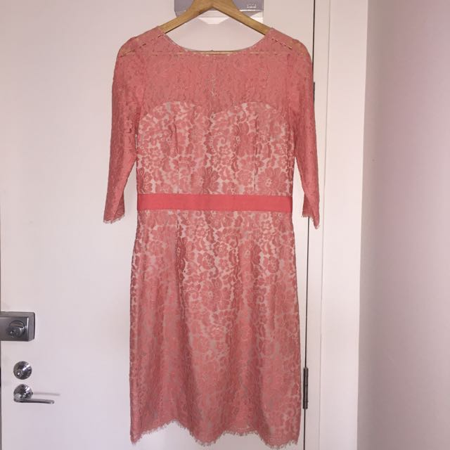 Review pink Lace Dress