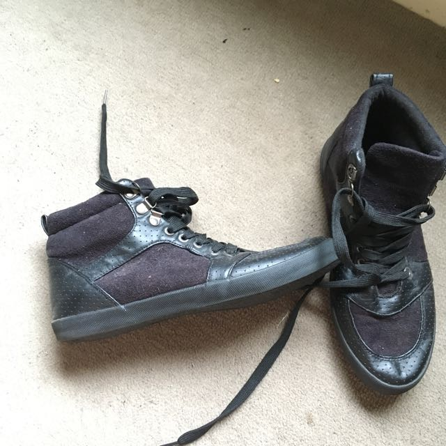 Rubi Shoes Black High Tops Size 9 (40)