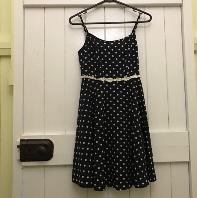 Size 6 Cute Dress