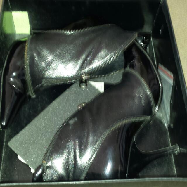 Size 6 Sachi Black Heels