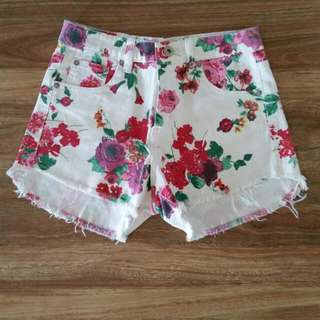 Floral Denkm Shorts
