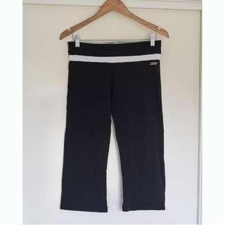 Lorna Jane 3/4 Active Wear pants Size M