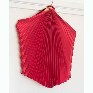 NO IRONING EVER concertina red halter neck top