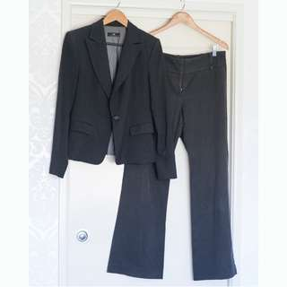 CUE brand suit jacket and trouser pants Size 12