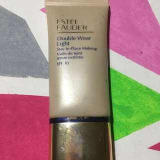 Estee Lauder Double Wear Light : Intensity 4.5