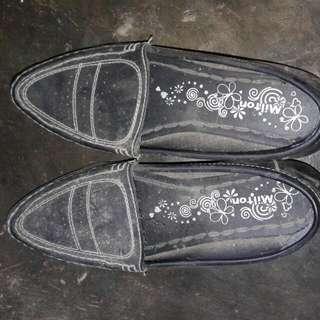 Sepatu Santai Hitam