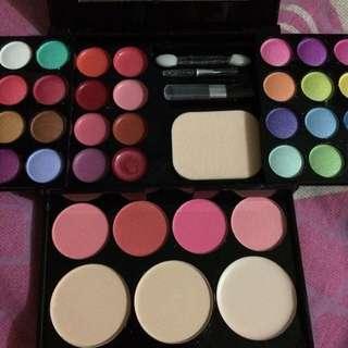 Set Make Up Pallete