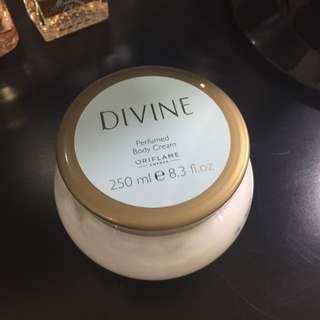 Oriflame Perfume Body Cream DIVINE