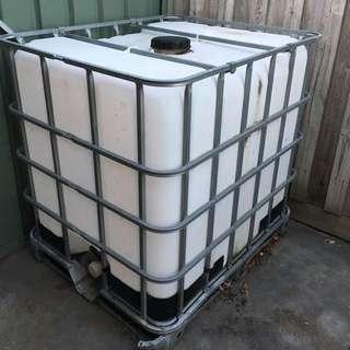 1000 L Water Tank