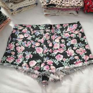 H&M flower shorts