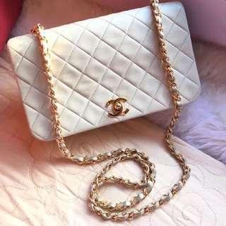 Chanel vintage 袋 賣7999$ 90新