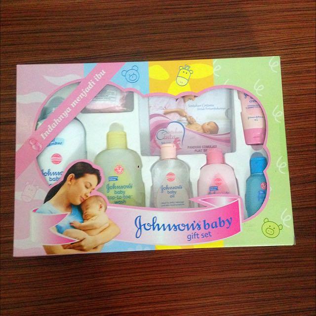 1 Set Perlengkapan Baby Johnson
