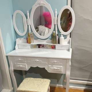 Brandnew luxury Angle 7 drawers dressing table