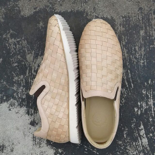 Ftale Dominus slip on woven, natural color.