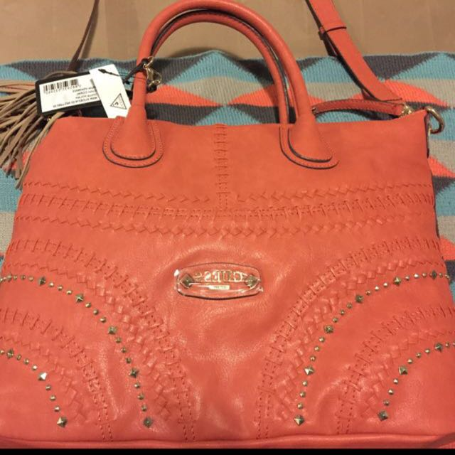 Guess Handbag BRAND NEW $150