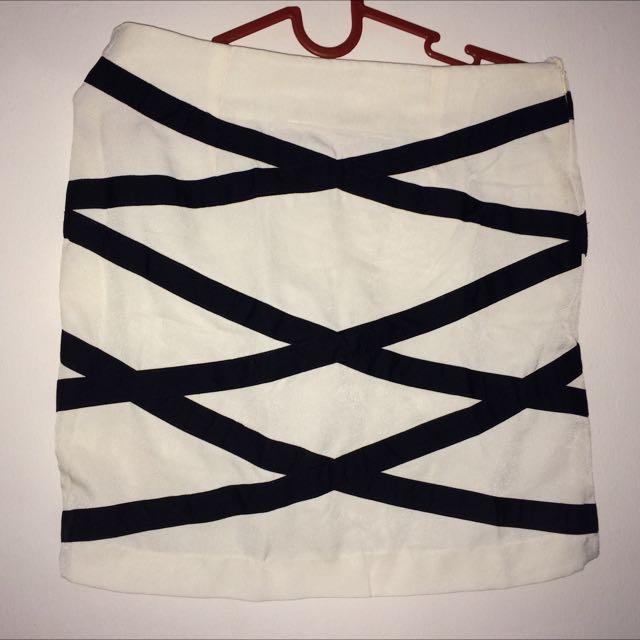 Vertical Skirt