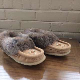 Brand New Laurentian Chief Slippers