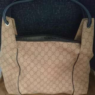 Authentic Gucci Shoulder Bag (Pre-loved)