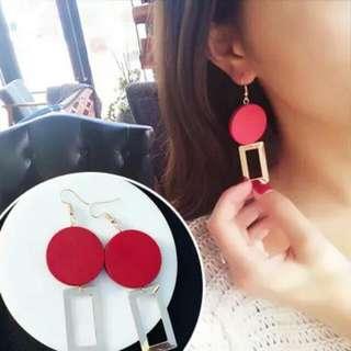 歐美紅圓木幾何耳環