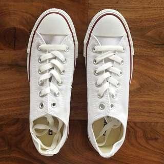 Converse All Star White Canvas Chucks 6.5 8.5