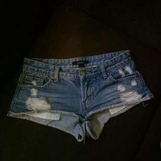 F21 Midwaisted Short