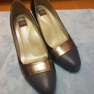 A.S.O阿瘦皮鞋藍灰黑三色中跟鞋
