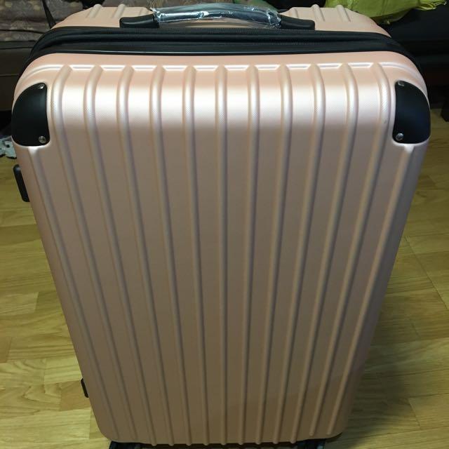 28吋全新行李箱