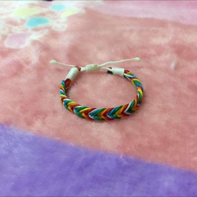 蠶絲蠟線手環-魚尾 彩虹