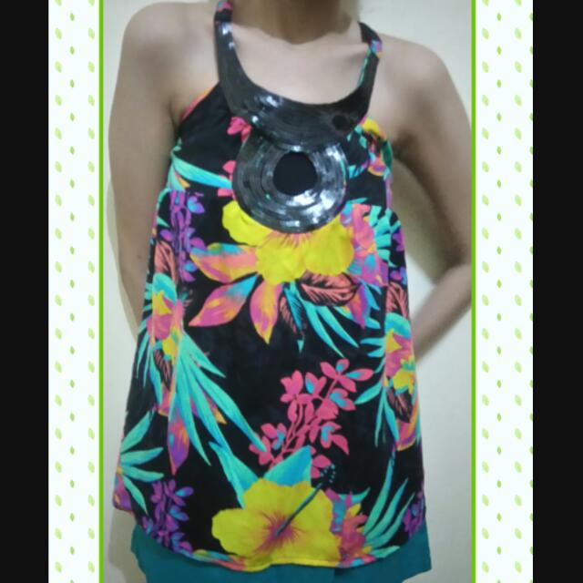 Reprice!!!! Helter Top Flowy Roxy (auth)