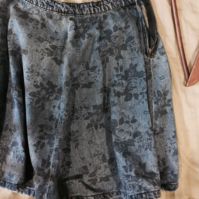 Authentic Garage Skirt