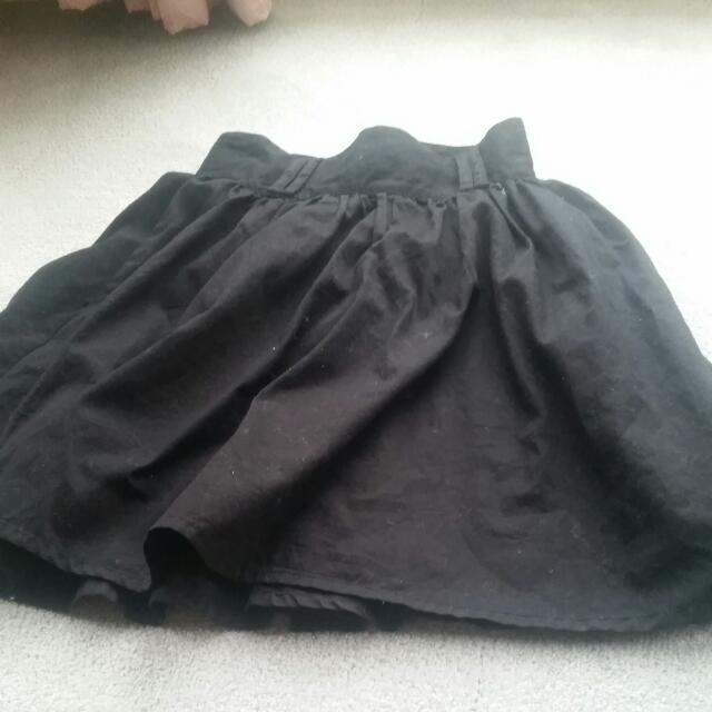Black Skirt Can Add Belt
