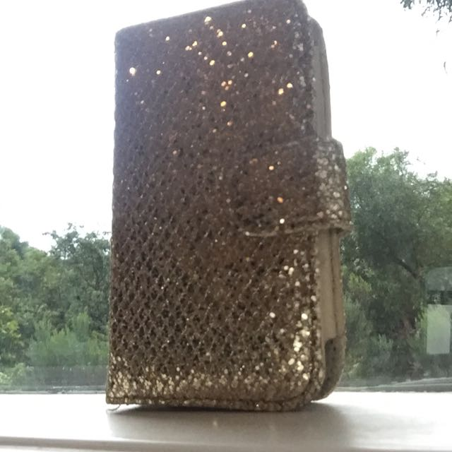iPhone 4/4s Sparkly Gold Cover