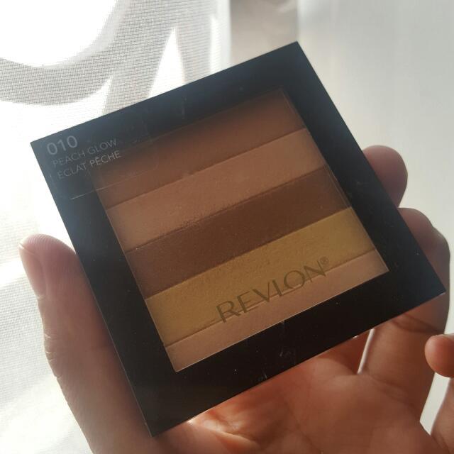 Revlon Highlighting Pallette 010 Peach Glow